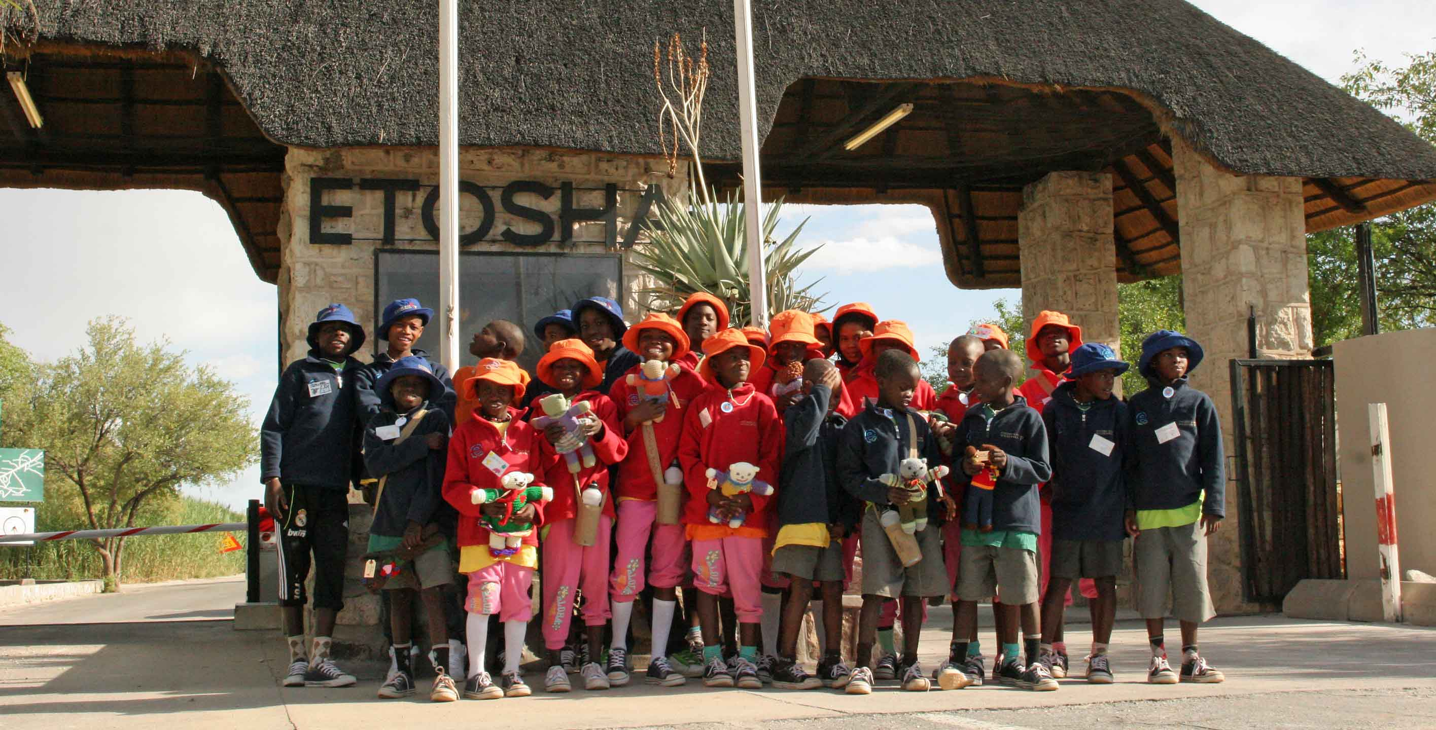 Nachhaltig Reisen in Namibia Etosha Park Kinder
