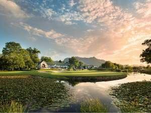 Golf Fancourt Südafrika Gardenroute Montagu Golfplatz