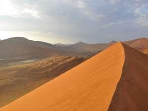 Namibia Luxusreise Sossuvlei Dünen Dead Vlei Wüste