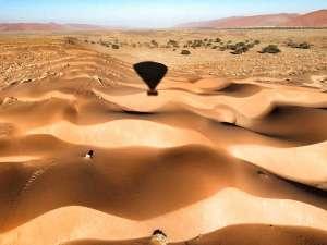 Namibia Wüste Sossusvlei Heißluftballonfahrt Natur Weite