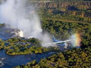 Sambia Reisen Victoria Falls Mansfield Kleinflugzeug