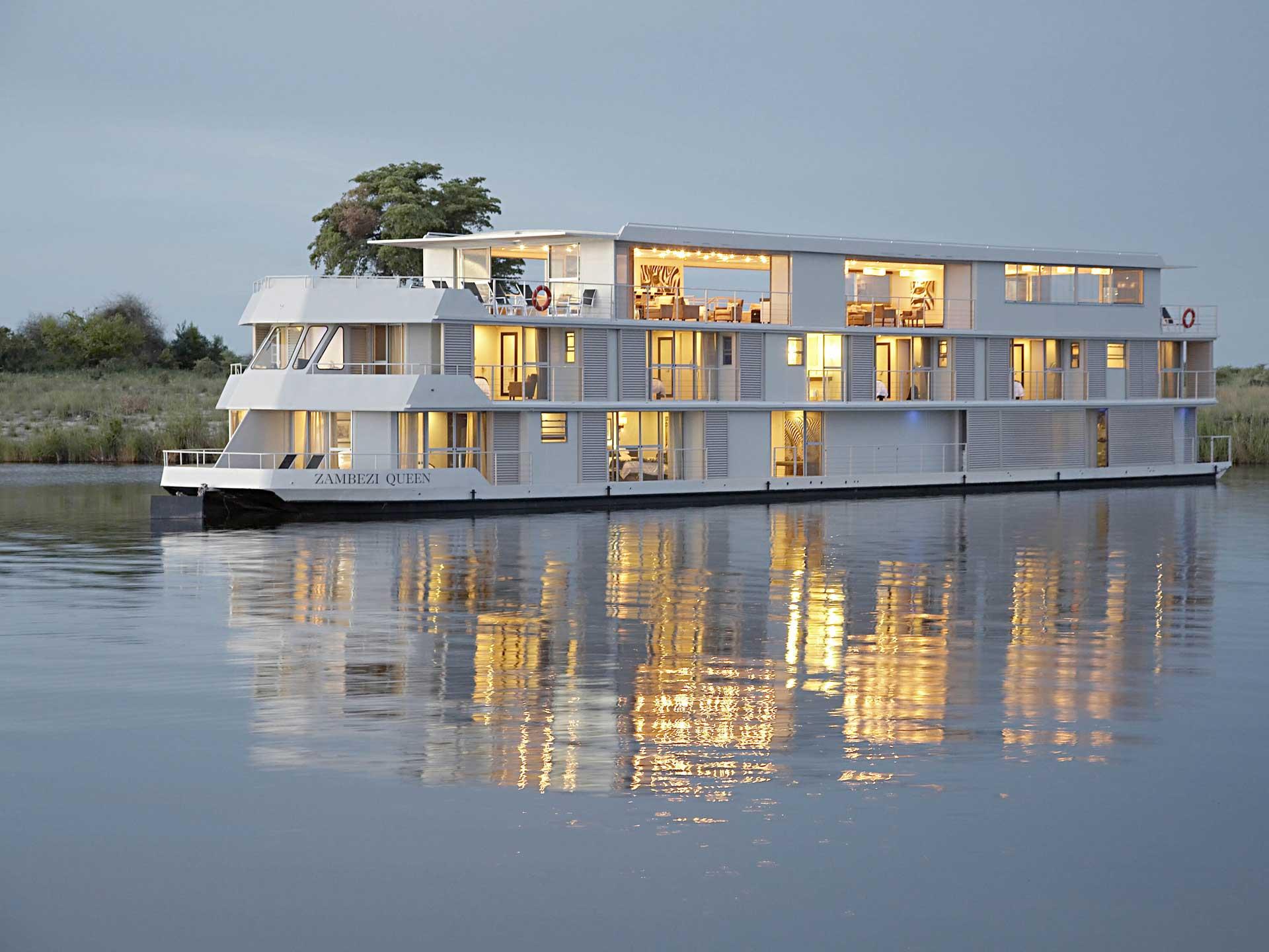 Zambezi queen Boot Luxus FLuss Kreuzfahrt Namibia Botswana